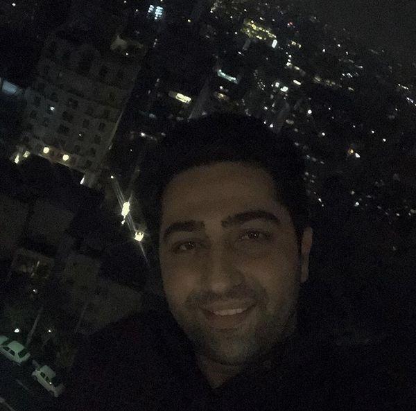 سلفی شبانه علی سخنگو بر فراز تهران + عکس