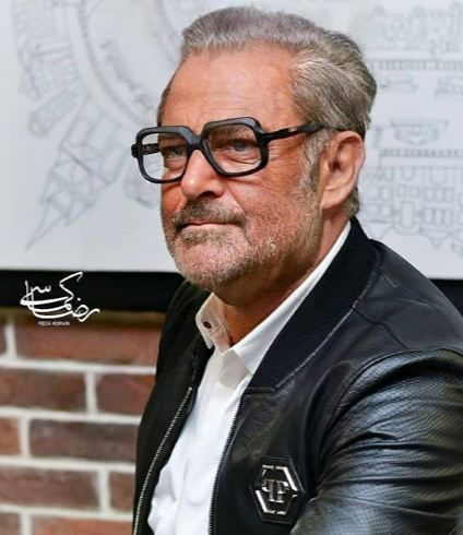 عکس پیری بانمک محمدرضا گلزار