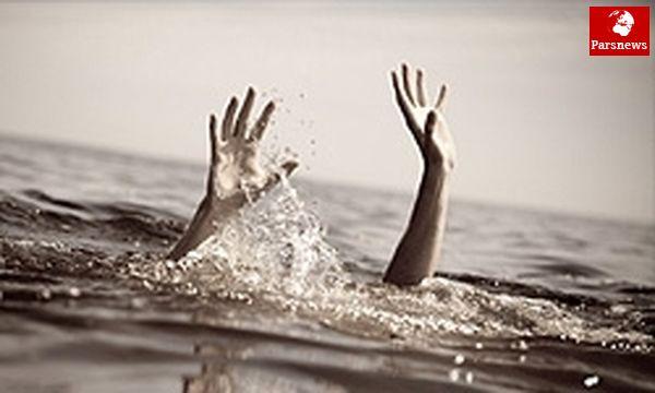 واژگونی قایق چوبی جان پدر و پسر تهرانی را گرفت