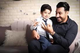 عکس جدیدی که احسان خواجه امیری از پسرش منتشر کرد