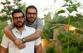 محسن کیایی و برادرش در طبیعت + عکس