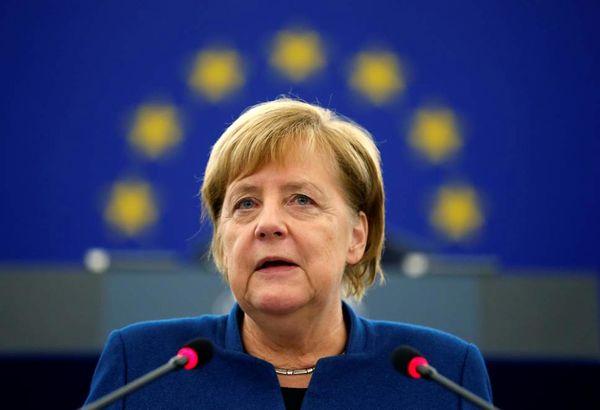 مرکل نیز خواستار تشکیل ارتش مشترک اروپایی شد