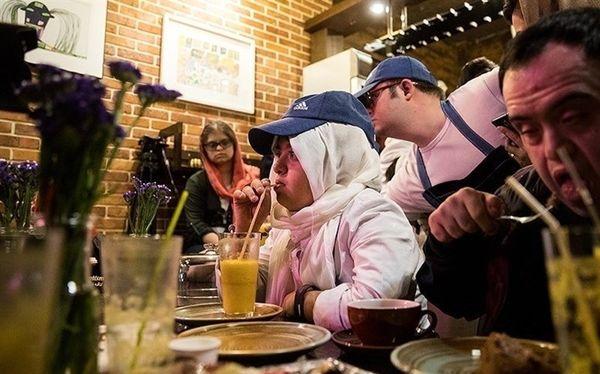 بهزیستی از راه اندازی کافههای خود گردان توسط معلولان حمایت مالی می کند