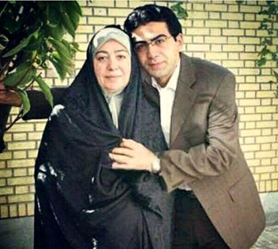فرزاد حسنی و مادرش + عکس
