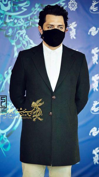 بهرام رادان در سی و نهمین جشنواره فیلم فجر چه تیپی زد ؟ + عکس