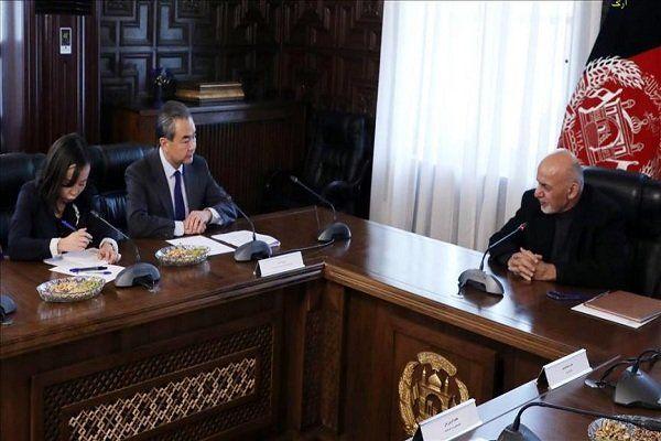 محورهای دیدار وزیر خارجه چین با رئیسجمهوری افغانستان
