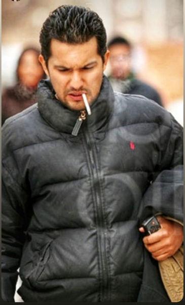 حامد بهداد در حال سیگار کشیدن + عکس