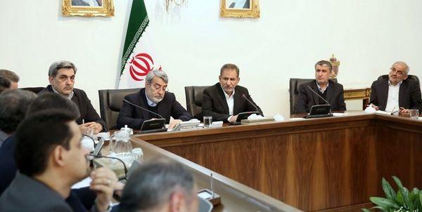باید در مقابل کار عظیم ملت ایران سر تعظیم فرود آورد و دست مردم را بوسید