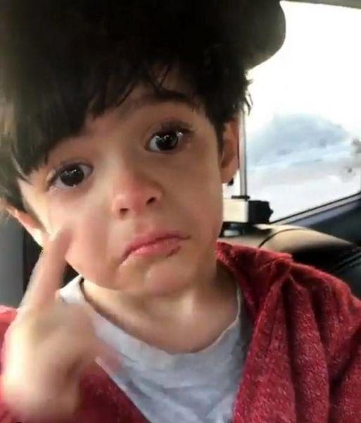 گریه ی پسر مجید صالحی + عکس