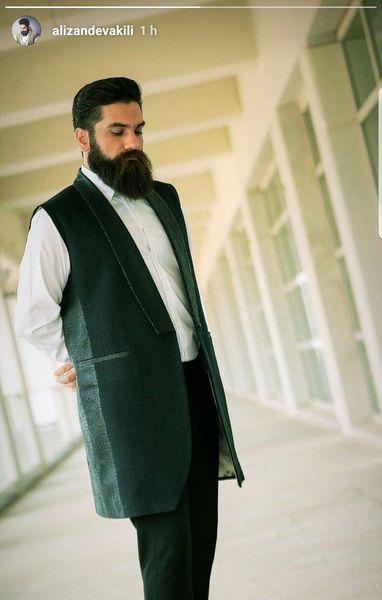 علی زند وکیلی با لباس خاصش+عکس