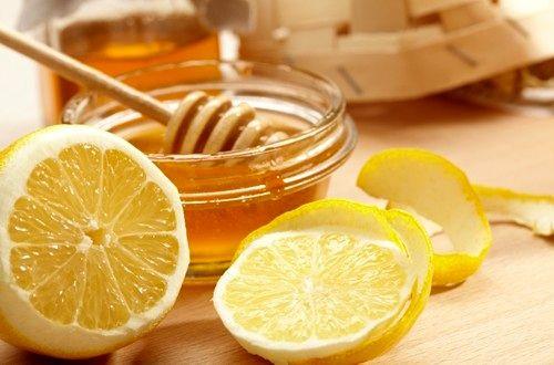 قبل از صبحانه آب لیمو و عسل بخورید
