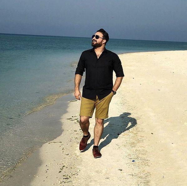 قدم زدن بابک جهانبخش در سواحل کیش + عکس