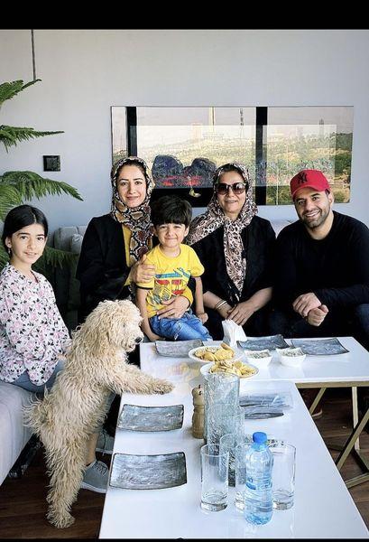 دورهمی رضا بهرام با خانواده اش + عکس