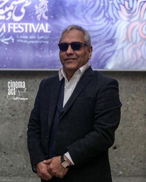 مهران مدیری با عینک آفتابی در یک مراسم رسمی + عکس