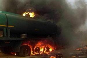 تانکر حمل سوخت با یک اتوبوس مسافربری در سنندج عراقی بوده است