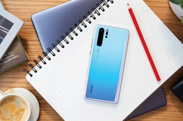 هوآوی از سری گوشیهای P30 رونمایی کرد