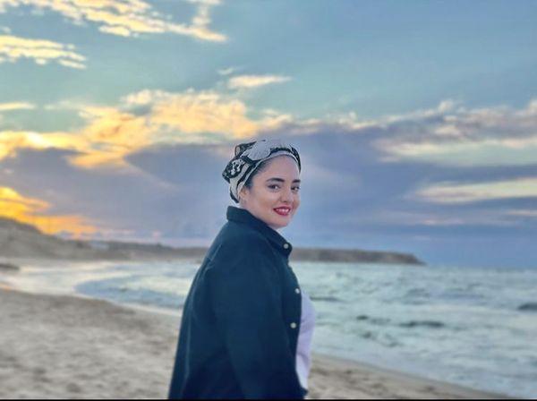 تیپ کنار دریایی نرگس محمدی + عکس