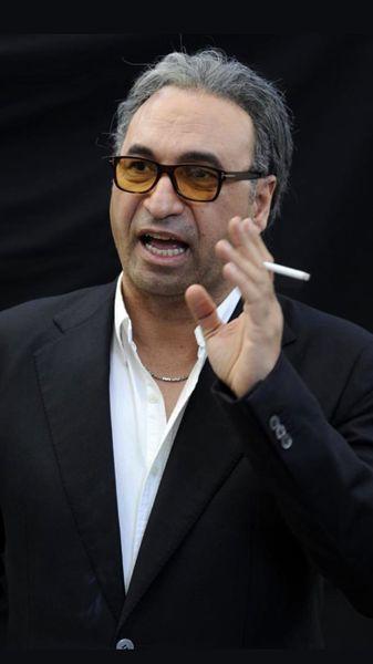 حمید فرخ نژاد با سیگار + عکس