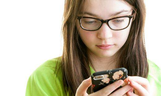 اینترنت چقدر روی شخصیت فرزندتان اثر میگذارد؟