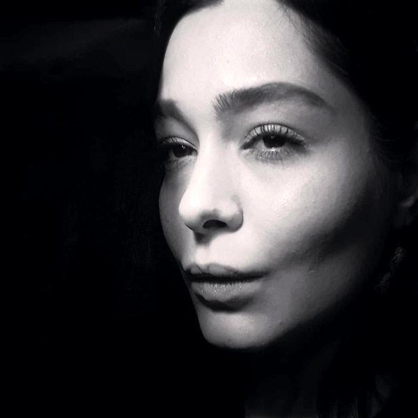 سانیا سالاری در تاریکی مبهم + عکس
