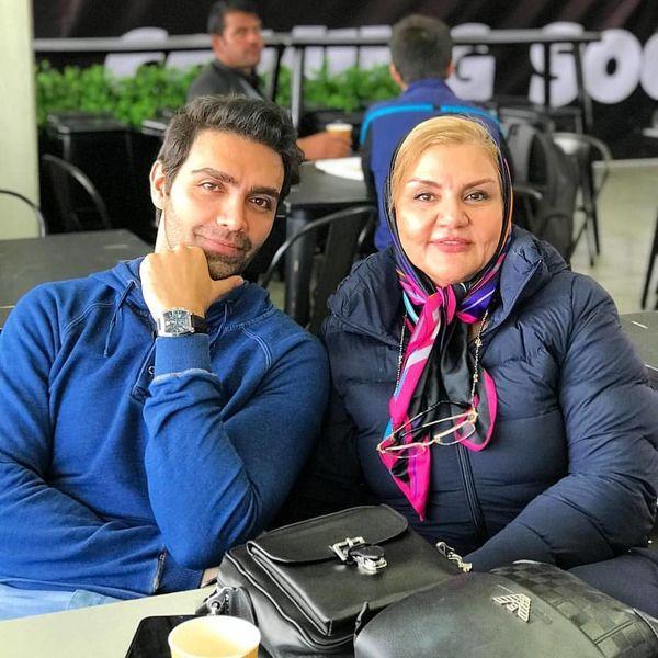 آقا داماد بوی باران همراه با مادرش+عکس
