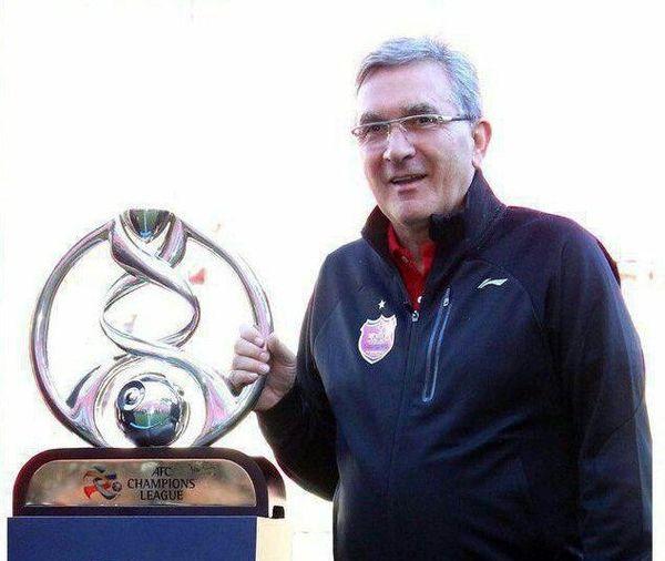 برانکو جام آسیا را به آغوش کشید + عکس