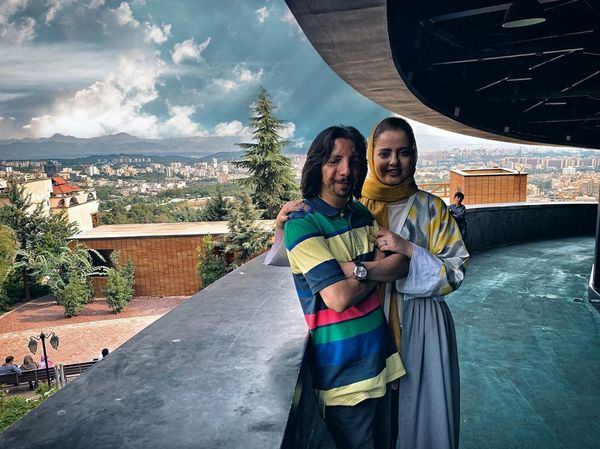 عکس زوج جنجالی ماه عسل در سفر تابستانی+عکس