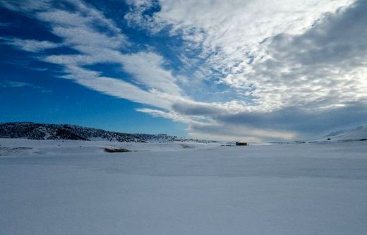 این دریاچه یخ زده در سوئیس نیست، ایران زیبا است/عکس