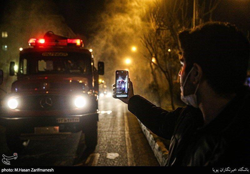 استفاده از تجهیزات نوین آتش نشانان برای ضدعفونی کردن معابر شهری