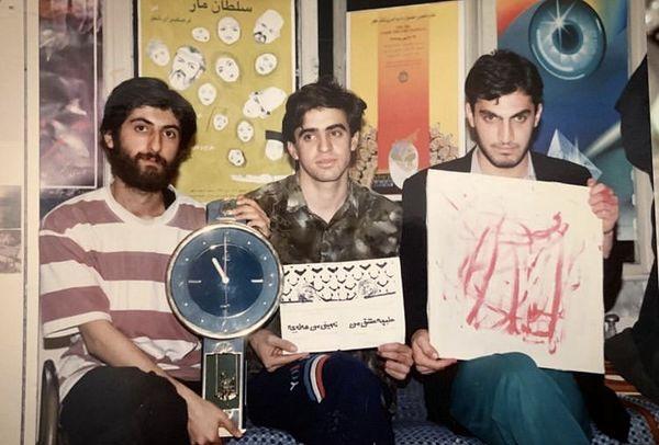 جوانی های آقای بازیگر در کنار دوستانش + عکس