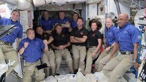 فضانوردان چطور در فضا لباس میشویند ؟