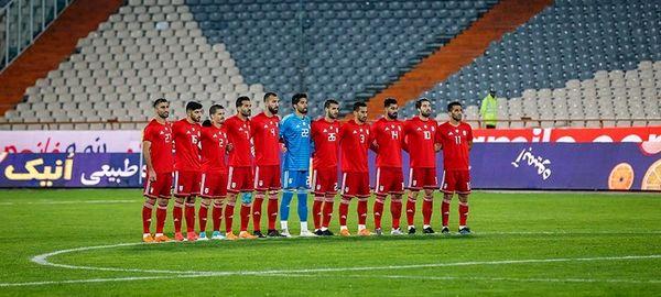 ملی پوشان «تنها در خانه»/ بَزک جام ملتها با یک تابلو فرش!