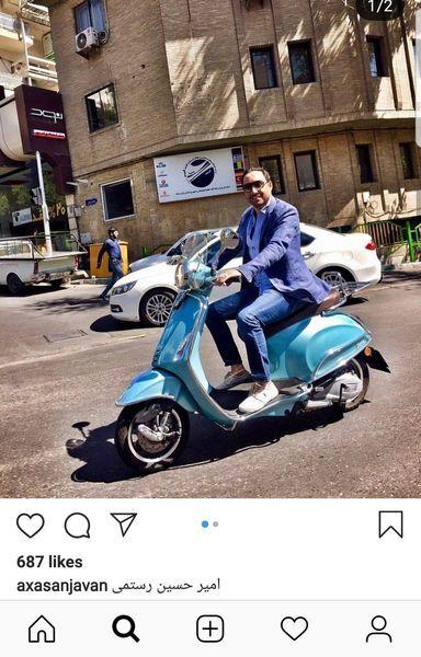 موتورسواری امیرحسین رستمی با کت و شلوار + عکس