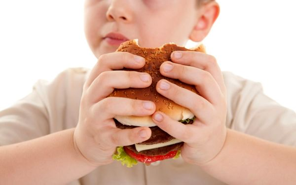 خطرات اضافه وزن کودکان