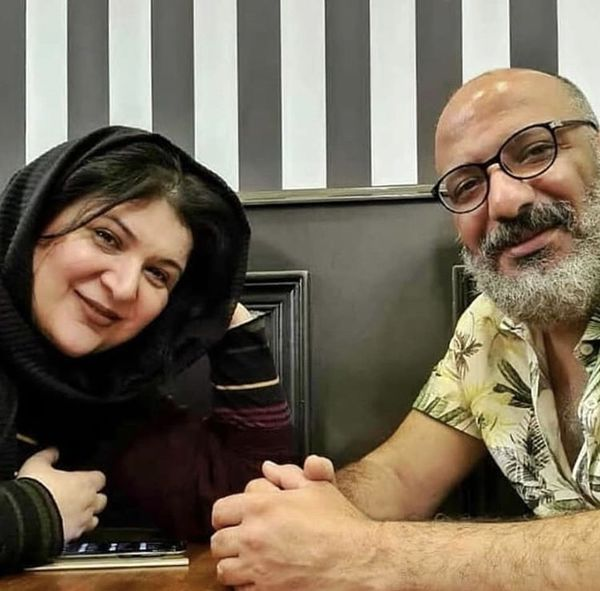 زوج هنرمند و طنزپرداز در رستوران /عکس