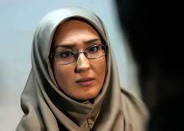 زهره فکور صبور در گالری لباس های سنتی/عکس