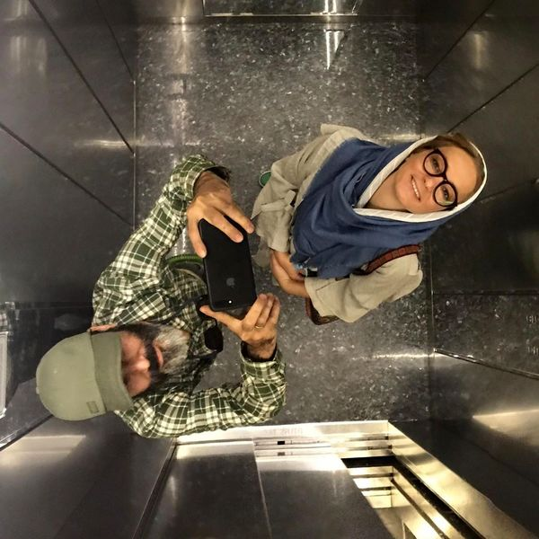 عکس بامزه نیما فلاح و همسرش در آسانسور