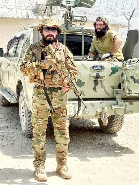 تیپ عجیب تیم امنیتی طالبان + عکس