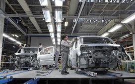 اقدام جدید خودروسازانی که نامه را جایگزین چک کردند/ سود کلانی که به جیب خودروسازان میرود