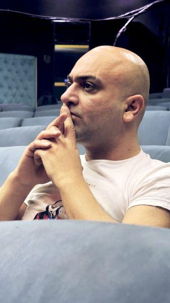 بازیگر مشهور موهاشو از ته زد + عکس