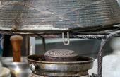از ظروف لعابدار و سرامیکی و سنگی با احتیاط استفاده کنید