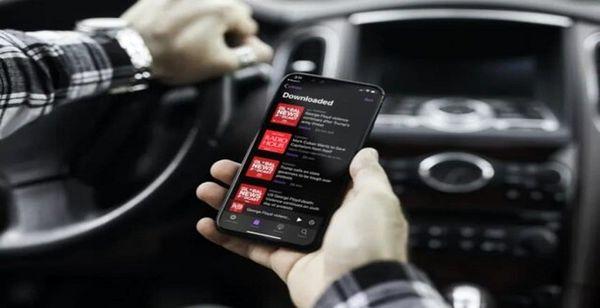 بهترین پادکست برای شنیدن هنگام سفر و رانندگی های طولانی