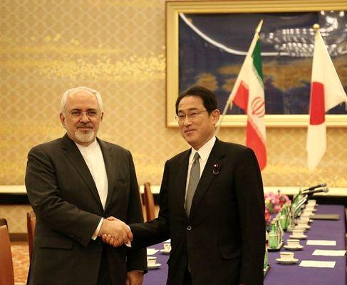ظریف: ژاپن از طریق ارتباطاتش، مانع حمایت کنشگران منطقه از تروریستها شود
