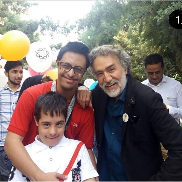 دورهمی رضا توکلی با هوادارانش+عکس