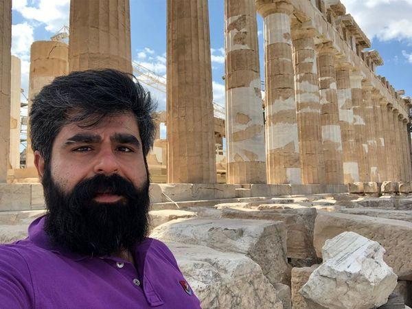 سفر آقای بازیگر جوان به یونان + عکس